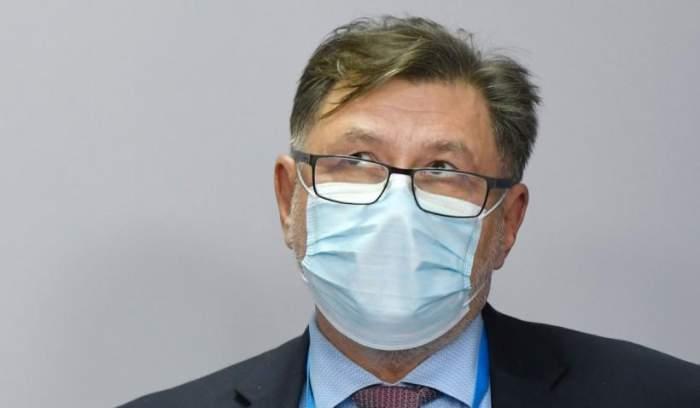 Alexandru Rafila cu mască de protecție.