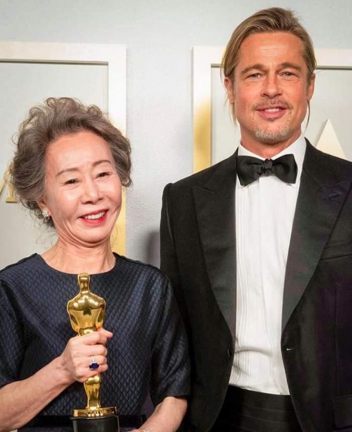Brad Pitt, apariție de senzație la premiile Oscar. Cât de bine arată actorul de 57 de ani, după ce și-a lăsat iar părul lung