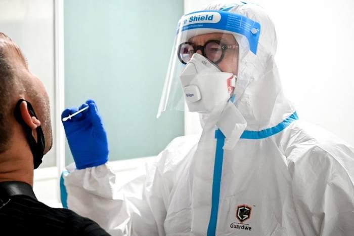 A patra tulpină a SARS-CoV-2 care ameninţă întreaga lume a fost depistată la Suceava. Cercetătorii o numesc E484K