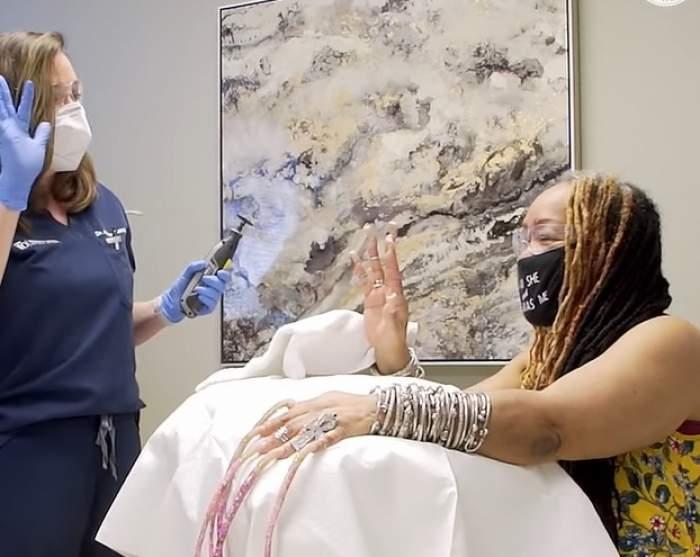 Femeia cu cele mai lungi unghii din lume le-a tăiat