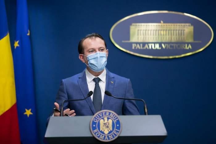 """Premierul Florin Cîțu, chemat în Vama Veche de petrecăreți. """"Suntem vaccinați toți"""""""