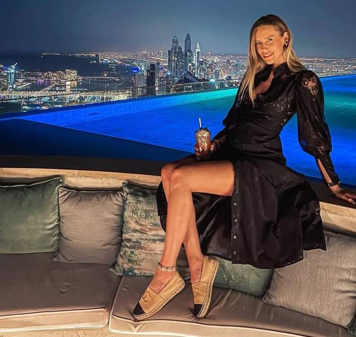 gabriela prisacariu elegantă în rochie de seara