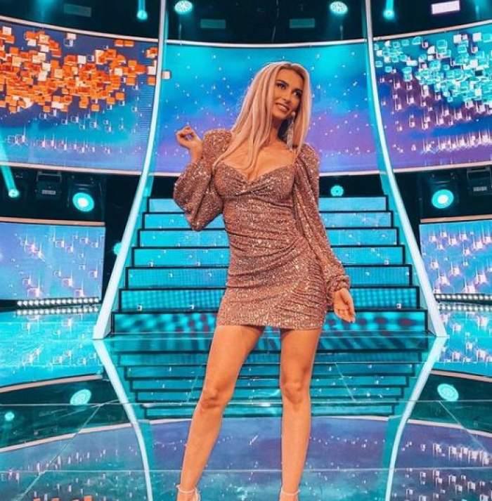 Andreea Bălan pe scena de la Te cunosc de undeva.