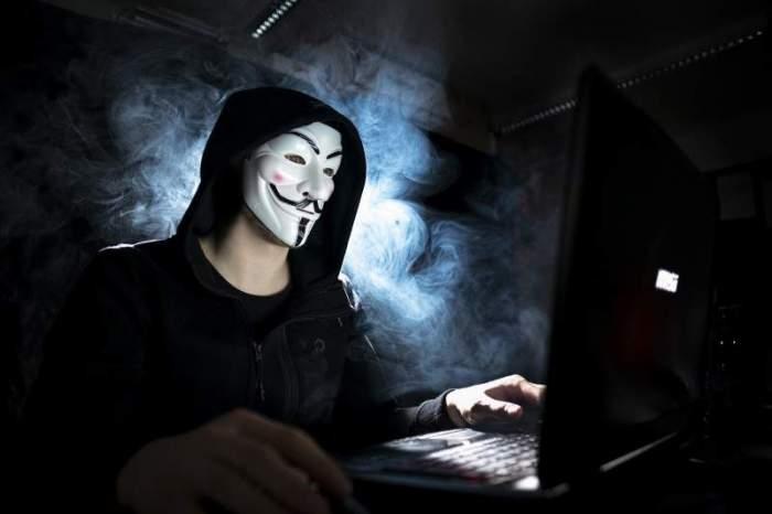 imagine simbol hacker la pc