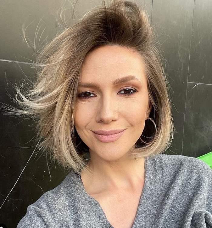 adela popescu selfie