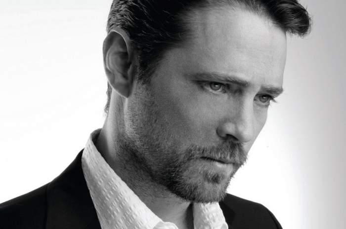 Jason Priestley, actorul din Beverly Hills 90210, nu are reguli în viața reală. Cum a depășit faimosul actor lupta cu alcoolul