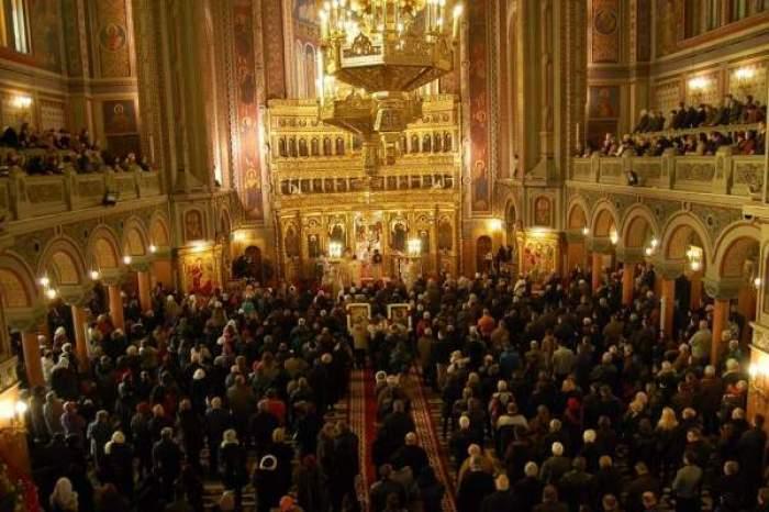 """ÎPS Teodosie nu acceptă transformarea bisericilor în centre de vaccinare: """"Biserica nu este anexa instituţiilor sanitare"""""""