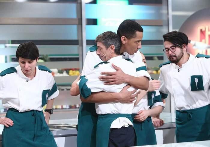 """Mesajul lui Alexandro Matias, după ce a fost eliminat de la Chefi la cuțite. Ce i-a transmis mamei sale: """"Am plâns"""" / FOTO"""