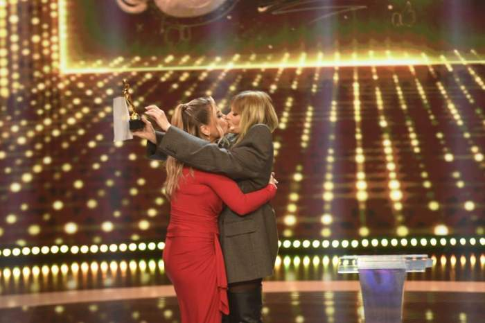 """Delia și Loredana Groza s-au sărutat pe scena de la iUmor. Cum a reacționat Mihai Bendeac: """"Este al naibii de sexy"""" / VIDEO"""