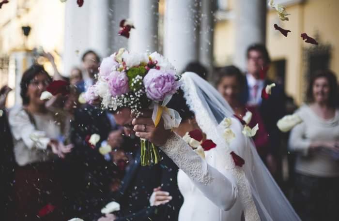 Nunțile și botezurile, permise doar pentru 70 de persoane de la 1 iunie. În ce condiții se va putea renunța la limita de participanți
