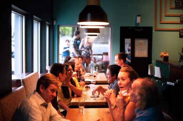 Cum vor funcționa restaurantele începând de mâine. Documentul oficial a fost emis de autorități