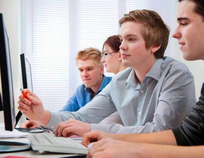 300.000 de elevi vor face școală online săptămâna viitoare. Anunțul făcut de ministrul Educației, Sorin Cîmpeanu