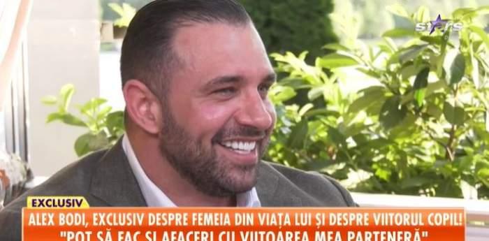 Captură video cu Alex Bodi, în timpul unui interviu.