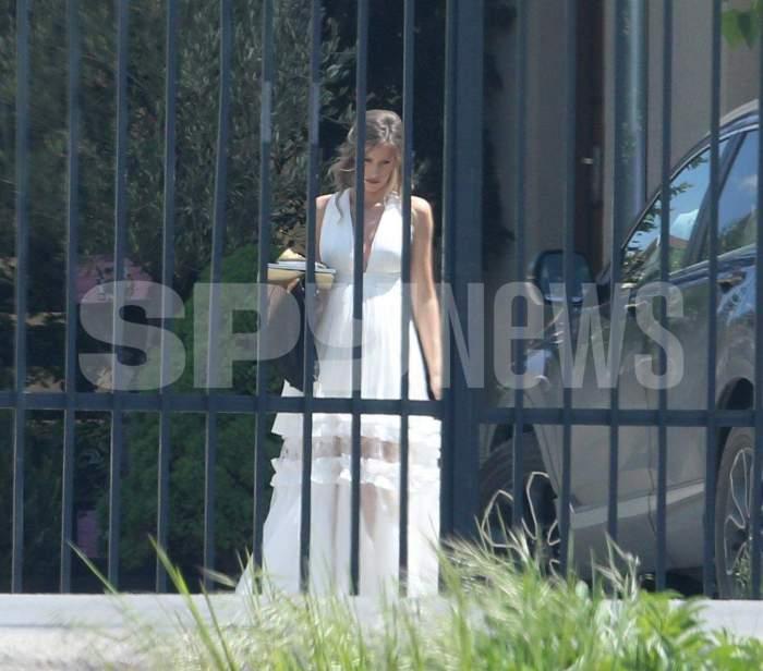 Gabriela Prisacariu în rochie de mireasă.