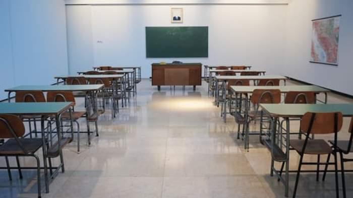 Toți elevii se vor întoarce la școală a doua zi  după ce rata de infectare va scădea sub 1 la mie. Anunțul lui Sorin Cîmpeanu