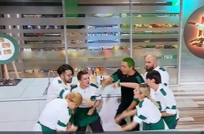 Chef Sorin Bontea alături de echipa sa la Chefi la cuțite