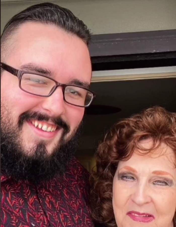 Un tânăr de 18 ani trăiește o frumoasă poveste de dragoste cu o bunicuță de 71 de ani. Cei doi s-au întâlnit la înmormântarea fiului femeii
