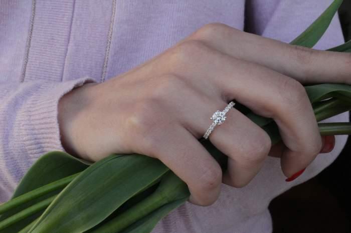 O tânără a aflat că mama ei îl plătise pe viitorul soţ ca să se însoare cu ea. Femeia a anulat nunta în ultimul moment