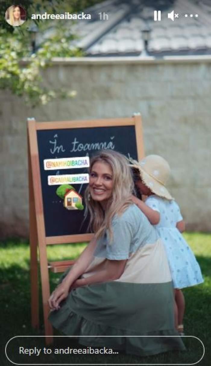 Andreea Ibacka alături de fiica sa.