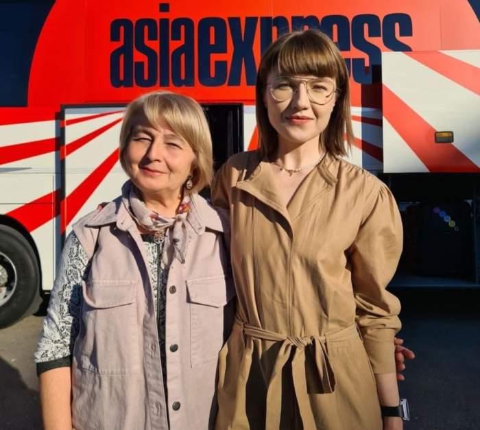 """Drama pe care Alexandra Ungureanu a ținut-o la secret. Ambii părinți au avut cancer, iar boala l-a răpus pe tatăl artistei: """"Mă ascundeam în culise să plâng"""""""