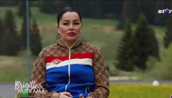 """Suferă Brigitte... la frumusețe! Soția lui Florin Pastramă a dat de bucluc la munte: """"Ai 44 de ani și n-ai fost în viața ta"""" / VIDEO"""