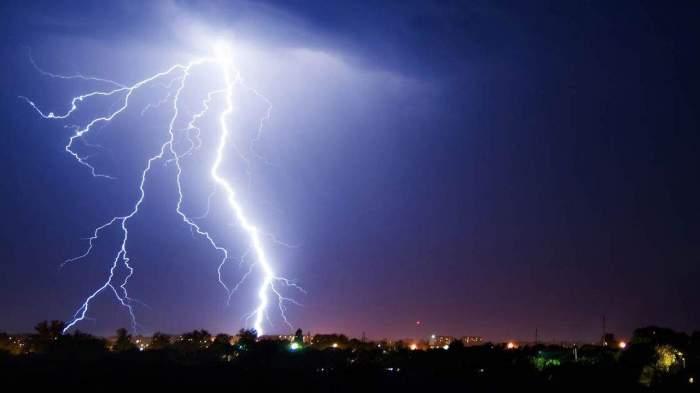 imagine simbol descarcari electrice