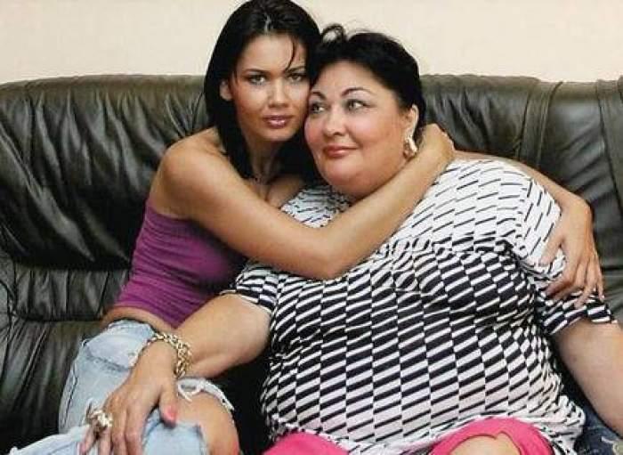 Oana Zăvoranu alături de mama sa, în perioada în care aceasta trăia, îmbrățișate.