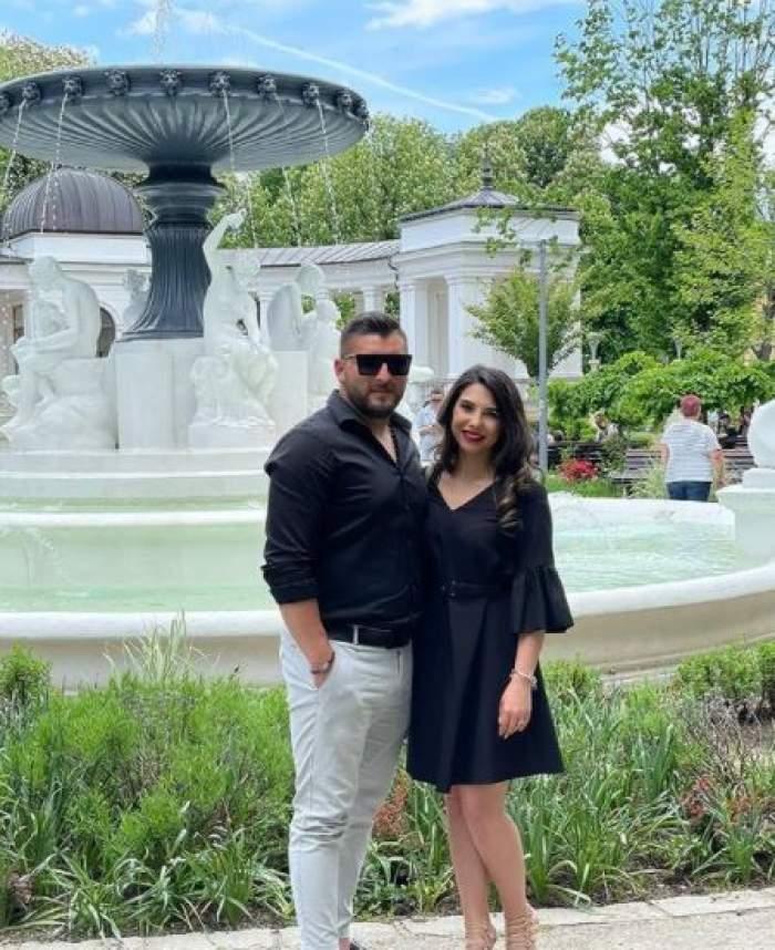 Denisa Jurcan alături de Andrei, iubitul său, în vacanță.