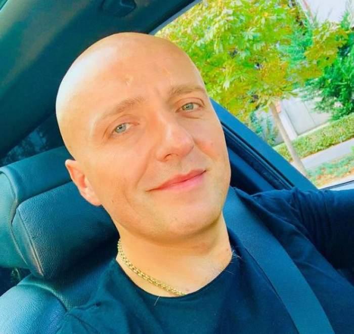 Costi Ioniță în mașină.