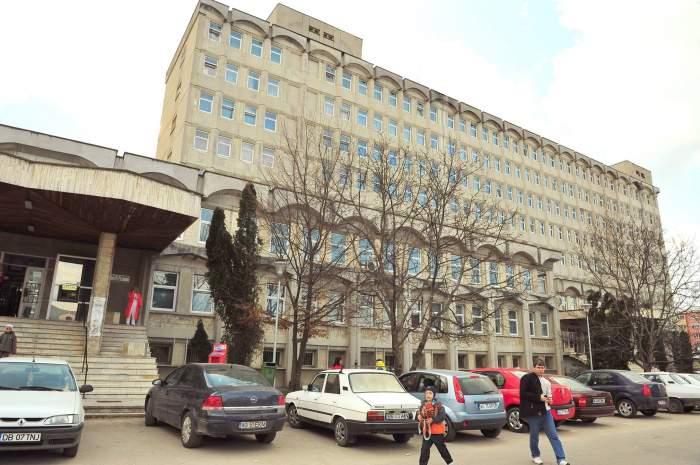 Caz șocant în Argeș! Un tânăr şi-a băgat în spital soţia şi fetiţa