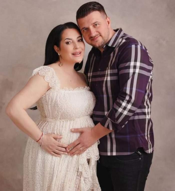 Angela Rusu când era gravidă alături de soțul său.