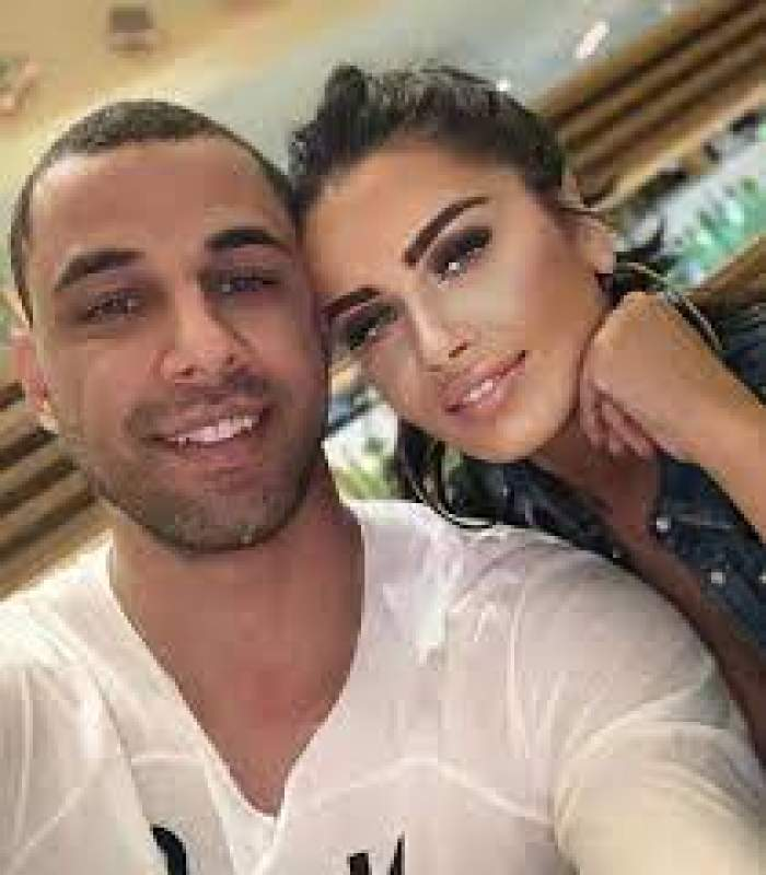 Oana Zăvoranu și Alex Ashraf, selfie.