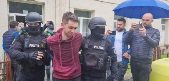 Un tânăr din Iași s-a urcat drogat la volan. A avariat 15 mașini și un tramvai / VIDEO