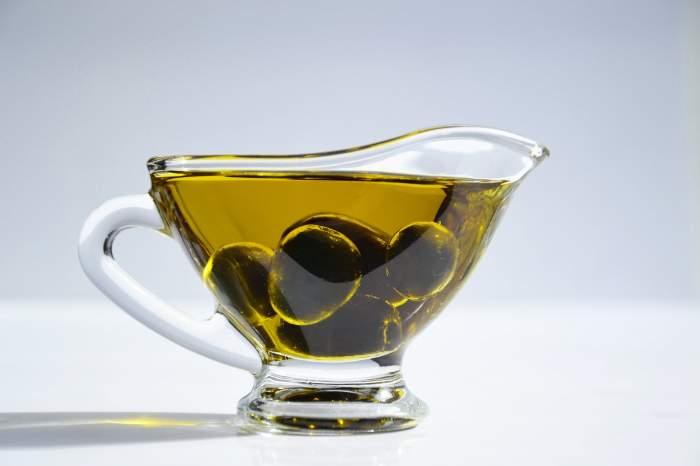 Ce beneficii are uleiul de măsline băut dimineața pe stomacul gol