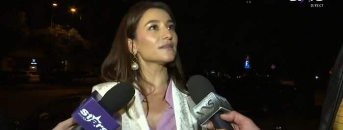 Claudia Pătrășcanu în timpul unui interviu.