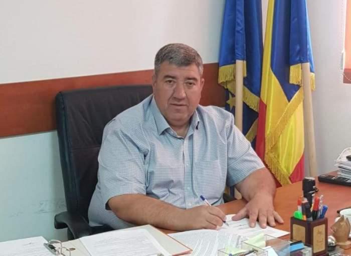 Ce avere are Ștefan Ionel Robert, primarul din Ștăneștii de Jos, reținut pentru că ar fi violat o fetiță de 12 ani