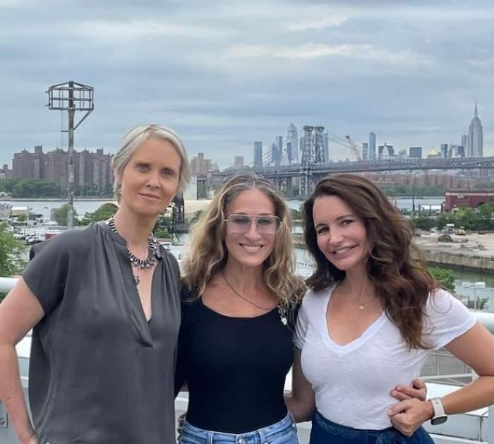"""Actrițele din """"Sex and the City"""" s-au reunit! Sarah Jessica Parker și colegele ei vor filma continuarea celebrului serial"""
