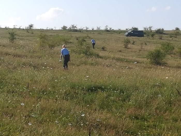 O copilă de trei ani a fost găsită fără suflare, pe un câmp din Constanța. Cine ar fi ucis-o