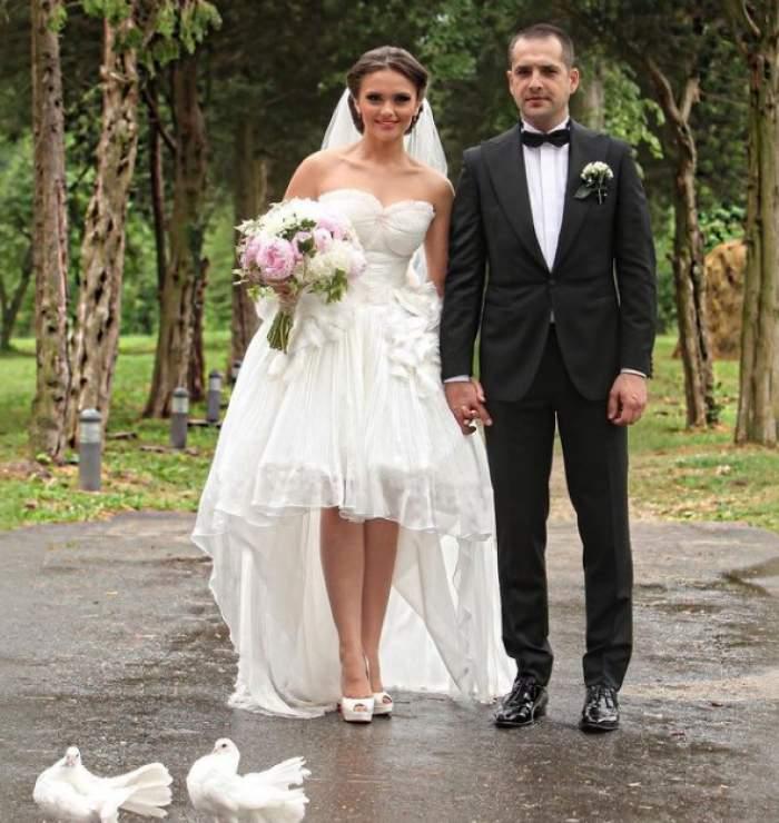 Cristina Șișcanu a aniversat 10 ani de la nunta cu Mădălin Ionescu. Vedeta a postat o imagine superbă din ziua cea mare / FOTO
