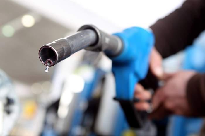 Au crescut preţurile carburanţilor. Cât te va costa de acum să îți faci plinul