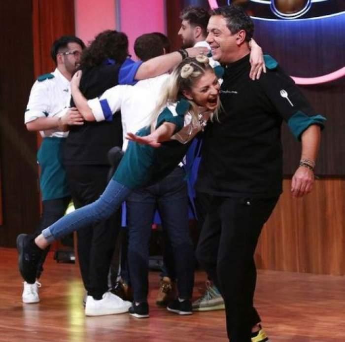 Sorin Bontea în brațe cu Elena Matei.