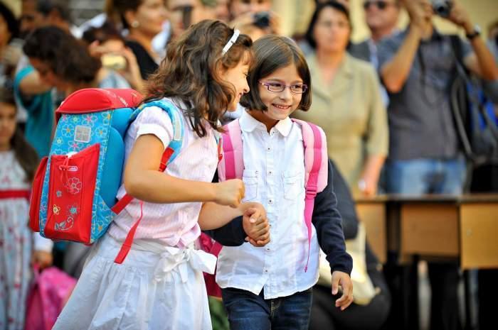 Cresc salariile profesorilor din această lună. Ordinul privind majorările de venit a fost semnat de Sorin Cîmpeanu
