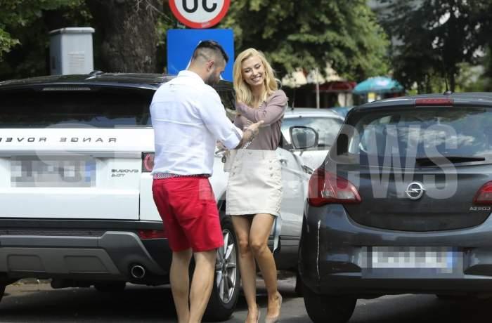 Andreei Bălan i-au priit cele trei vacanțe din ultima perioadă. Cântăreața e toată un zâmbet și arată mai bine ca oricând / PAPARAZZI