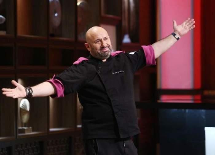 Cătălin Scărlătescu cu tunică neagră, la Chefi la cuțite.