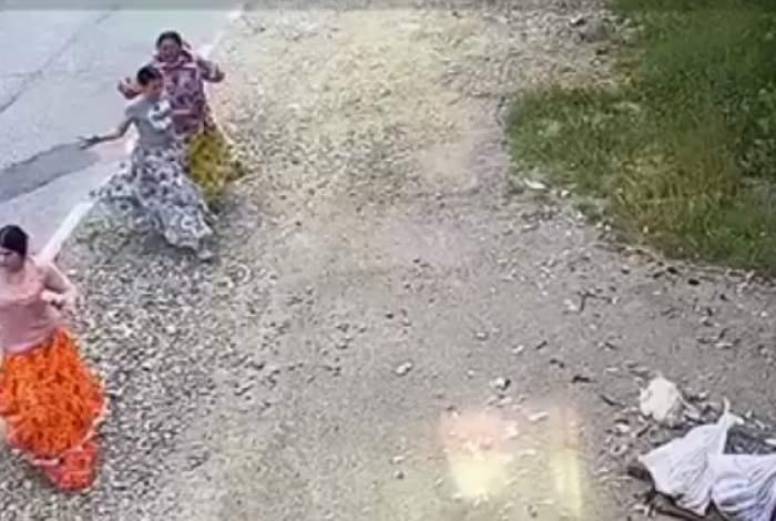 O familie a fost spulberată de un camion, în Dej. Tatăl intrase cu mașina pe contrasens / FOTO