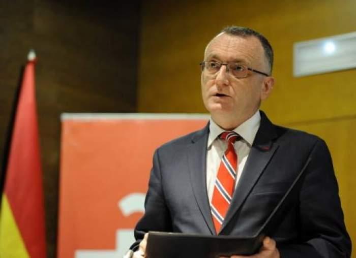"""Ministrul Educației, Sorin Cîmpeanu, semnal de alarmă pentru toți elevii: """"E nevoie de educaţie sexuală"""""""