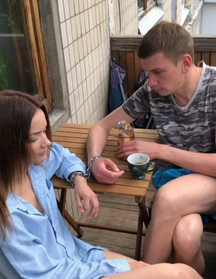 Tinerii de nedespărțit din Ucraina, care au petrecut peste 120 de zile încătuşaţi, s-au separat. Care este motivul