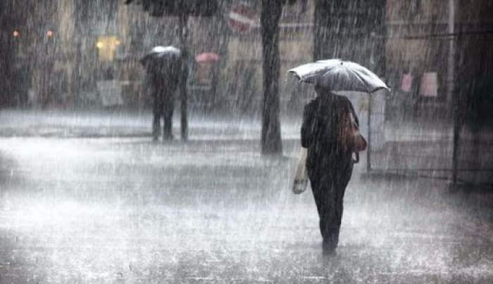 Situație dramatică după ploile abundente din țară. Două persoane au decedat