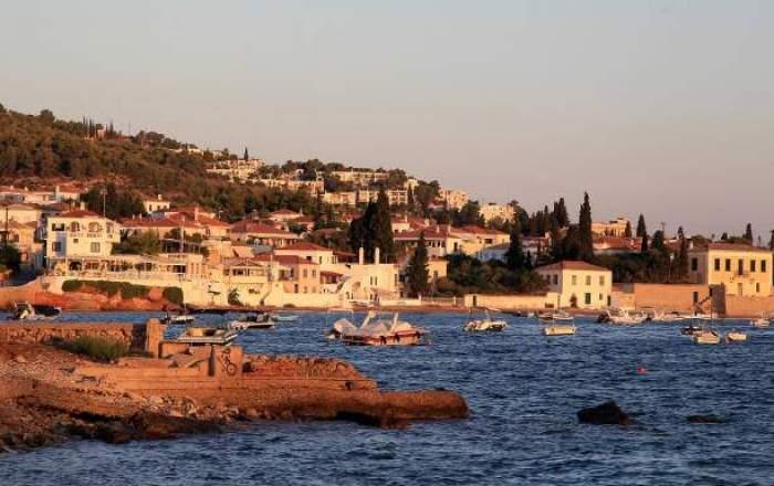 Guvernul Greciei a decis modificarea regulilor COVID de intrare în țară. Ce vor fi nevoiți să prezinte turiștii la graniță