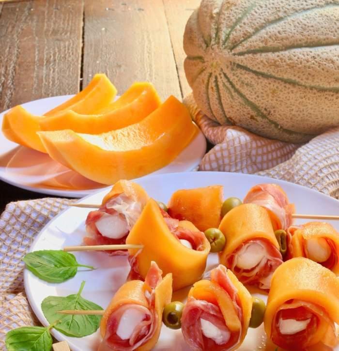 Prosciutto cu pepene galben, cel mai rafinat aperitiv al verii. Încearcăaceastăretețăsimplă